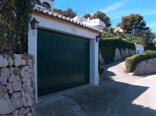 puertas basculantes de garaje