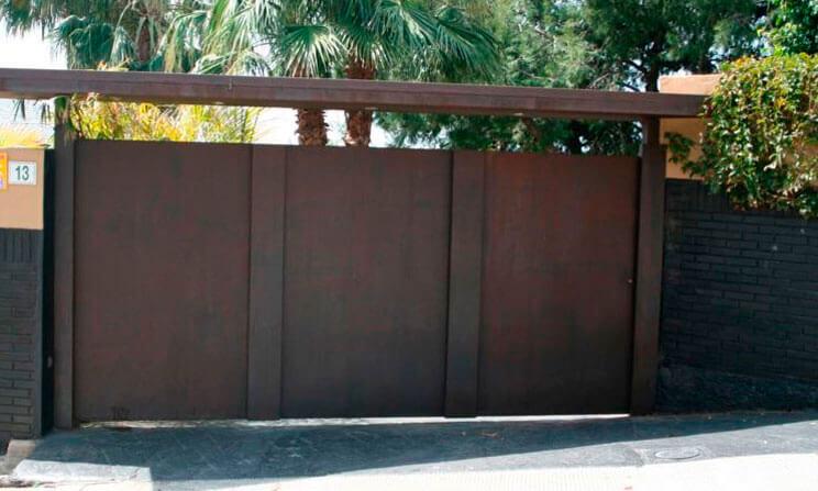 Puertas autom ticas correderas m laga batimat for Puertas metalicas malaga