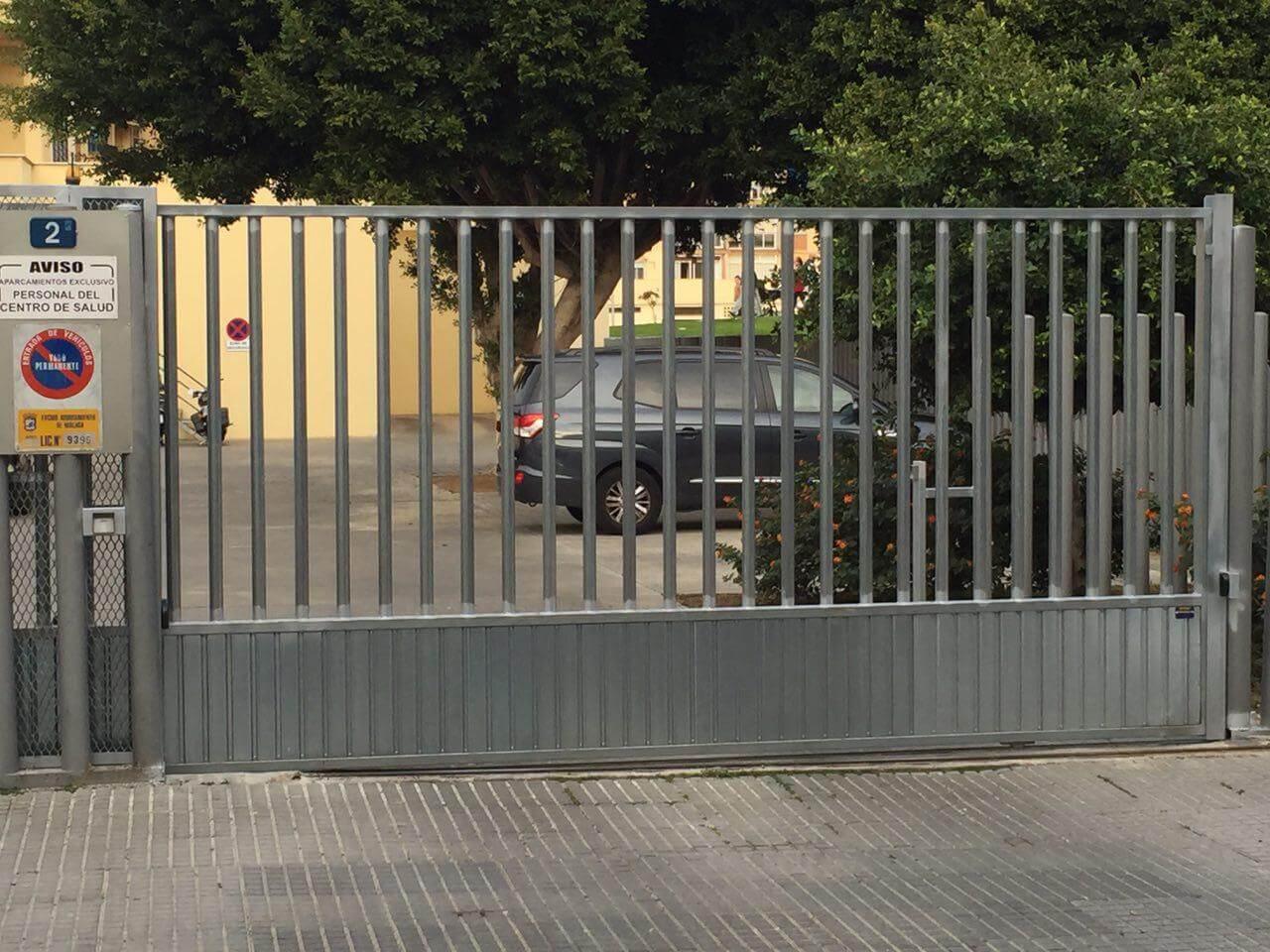 Puertas automáticas correderas Málaga   Batimat SL.