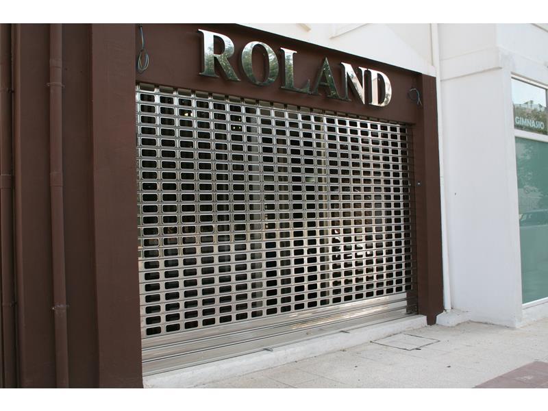 Puertas enrollables de acero malaga batimat sl - Puertas metalicas malaga ...
