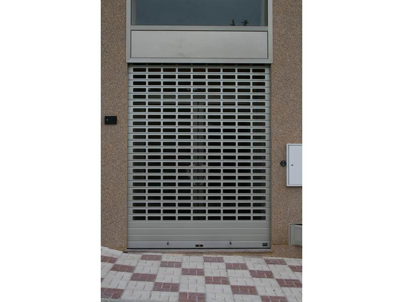 Puertas enrollables de aluminio malaga batimat sl for Puertas metalicas malaga