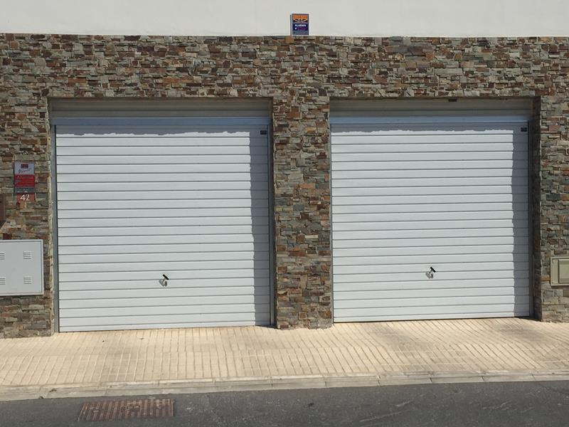 Puertas de garaje m laga venta e instalaci n batimat - Puertas de garaje malaga ...