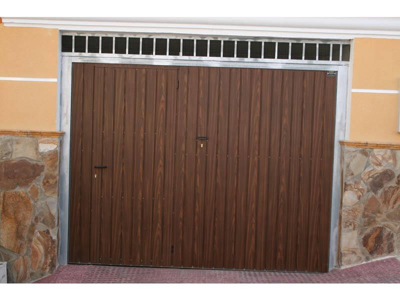 Puertas de garaje basculantes m laga batimat sl - Puertas de garaje malaga ...