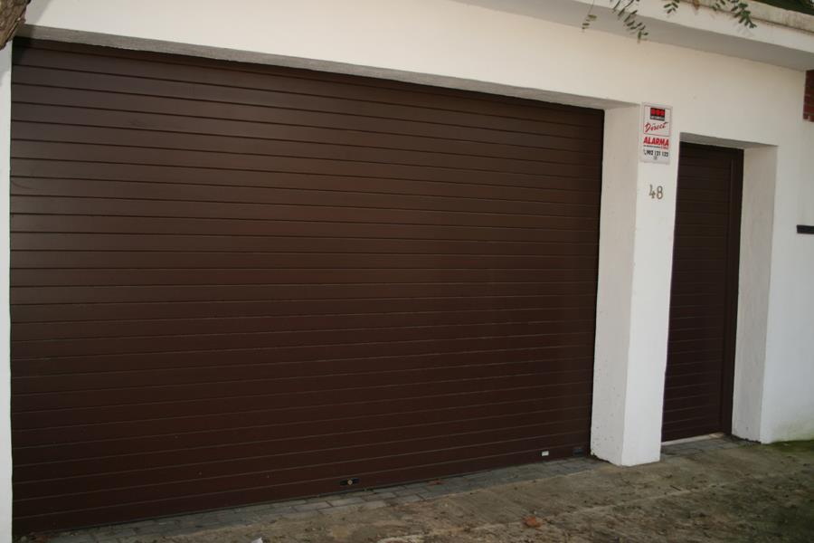 Puertas de garaje enrollables m laga batimat sl - Puertas de garaje malaga ...